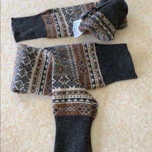 NWOT UO wool sleeves